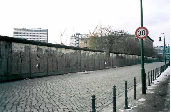 意外と知られていないベルリンの壁の実情 Naver まとめ