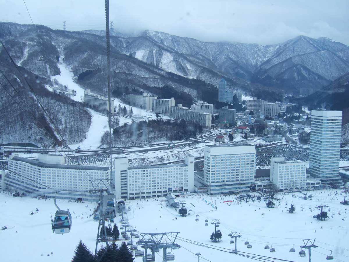 スキー 場 ホテル 苗場 スキー&合宿&フジロックにはホテル苗場ホワイトパレス